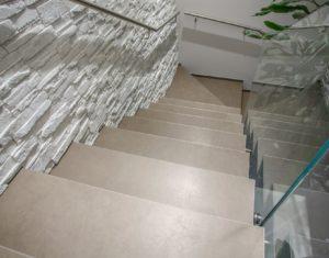 Lastre in grande formato, perfette per le scale!